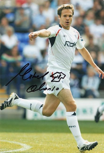 Mikel Alonso, Bolton Wanderers, signed 12x8 inch photo.